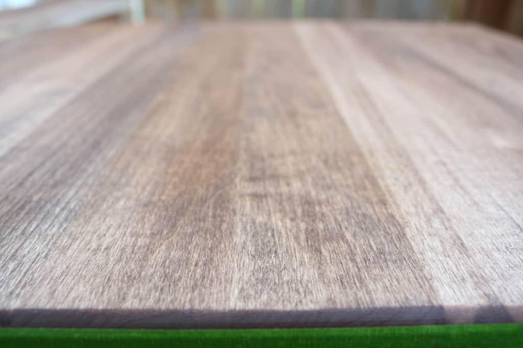 stain-board
