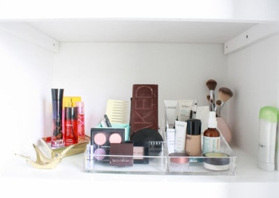 Bathroom :Linen Closet Organization